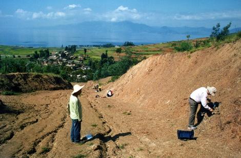 Collecting fossils%2c near Fuxian Lake%2c Chengjiangjpg